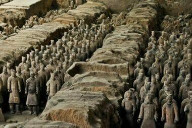 পৃথিবীর গল্প: চীনে এগারো শত বছরের শাসনে দুই রাজবংশ